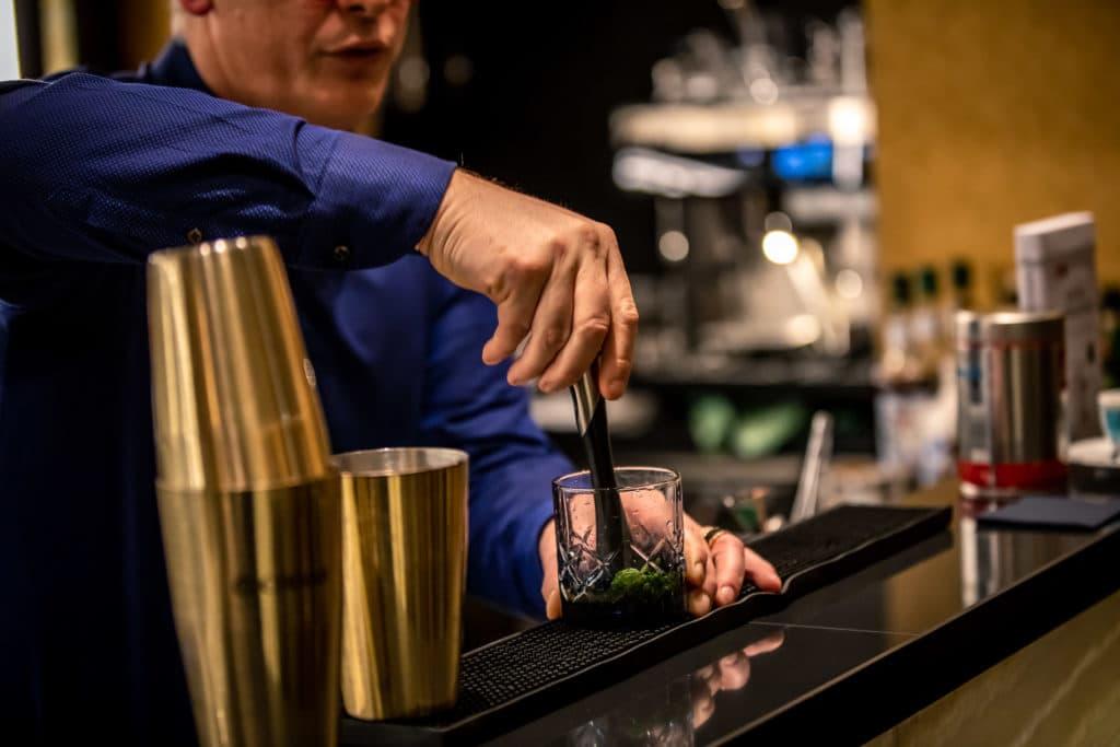 Kaffee-cocktails_illy_sofitel_bar_frankfurt_blog_oceanblue-style.jpg