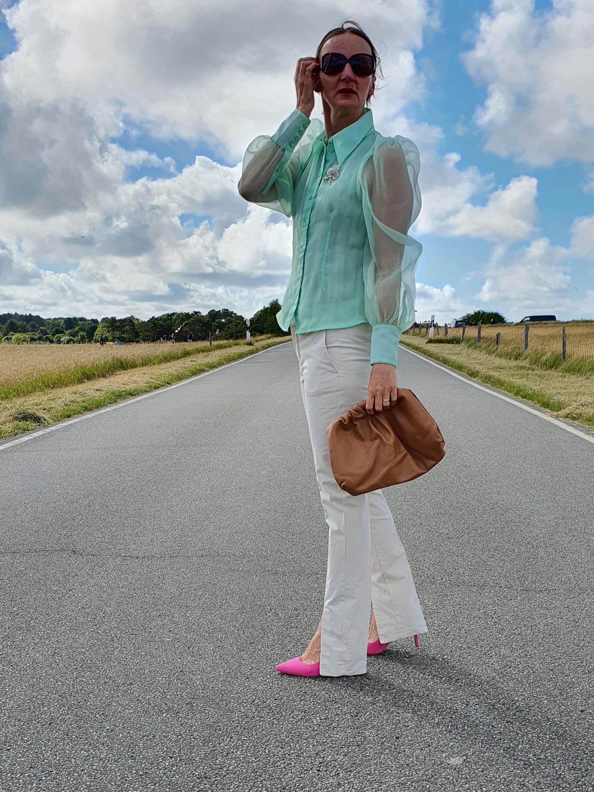 Mode-frauen-ue50-bluse-farben-kombinieren-oceanblue.style