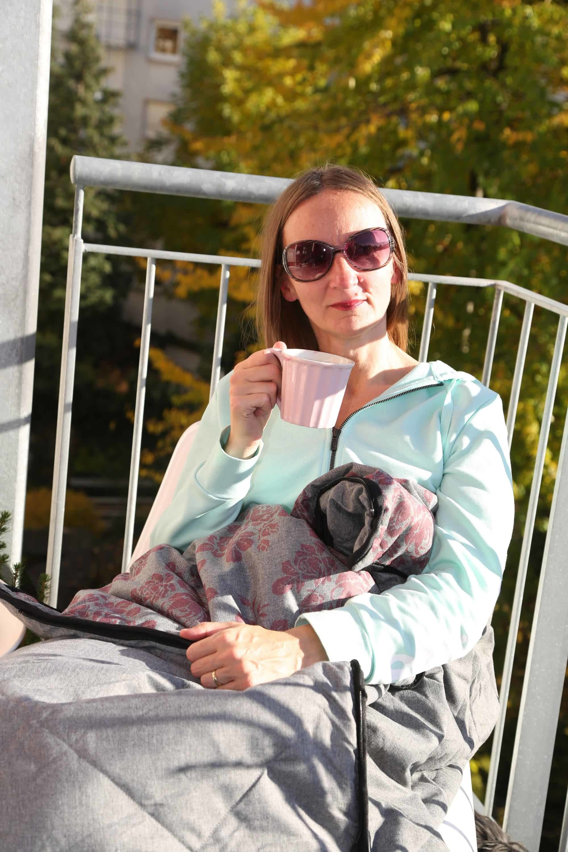 well-health-blanket-deluxe_schlafsack_grüezi-bag_schafswolle_decke_outdoor_reisen_camping_oceanblue-style_blog.jpg